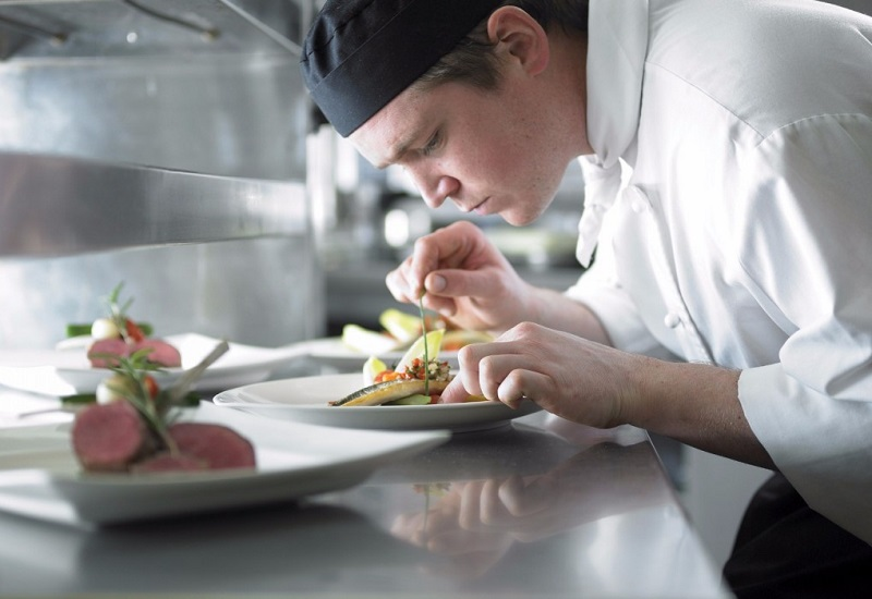 Catering business wins &16m contract