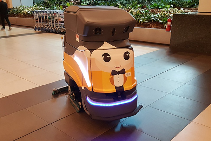 The Role of Robotics and AI in Cleaning