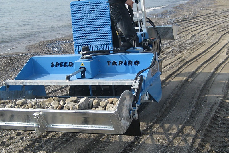 Product Review: CFC Tapiro Beach Cleaning Machine
