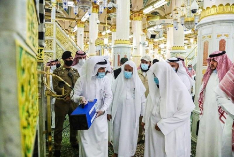 Al-Sudais inaugurates ozone sterilization device at Prophet's Mosque