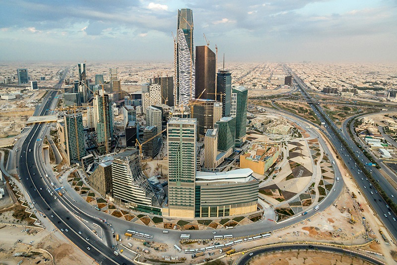 KSA to award development project contracts only to firms with regional HQs in the Kingdom