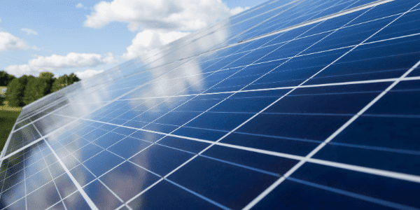 Three groups submit bids for third round solar projects in Saudi Arabia